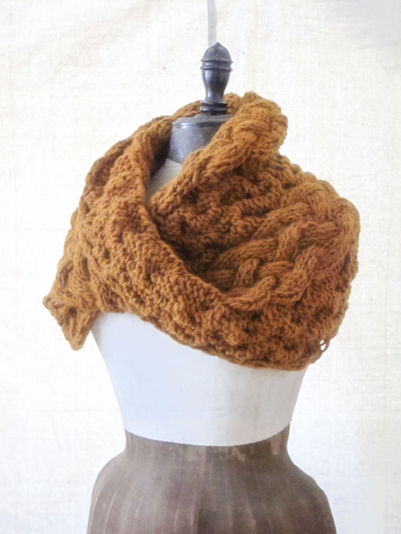 Chunky Braided Cowl Knitting Pattern – Jess Wrobel: Textiles and Decor